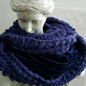 NEW APT.9 Blue Infinity Velvet Scarf & Open Knit